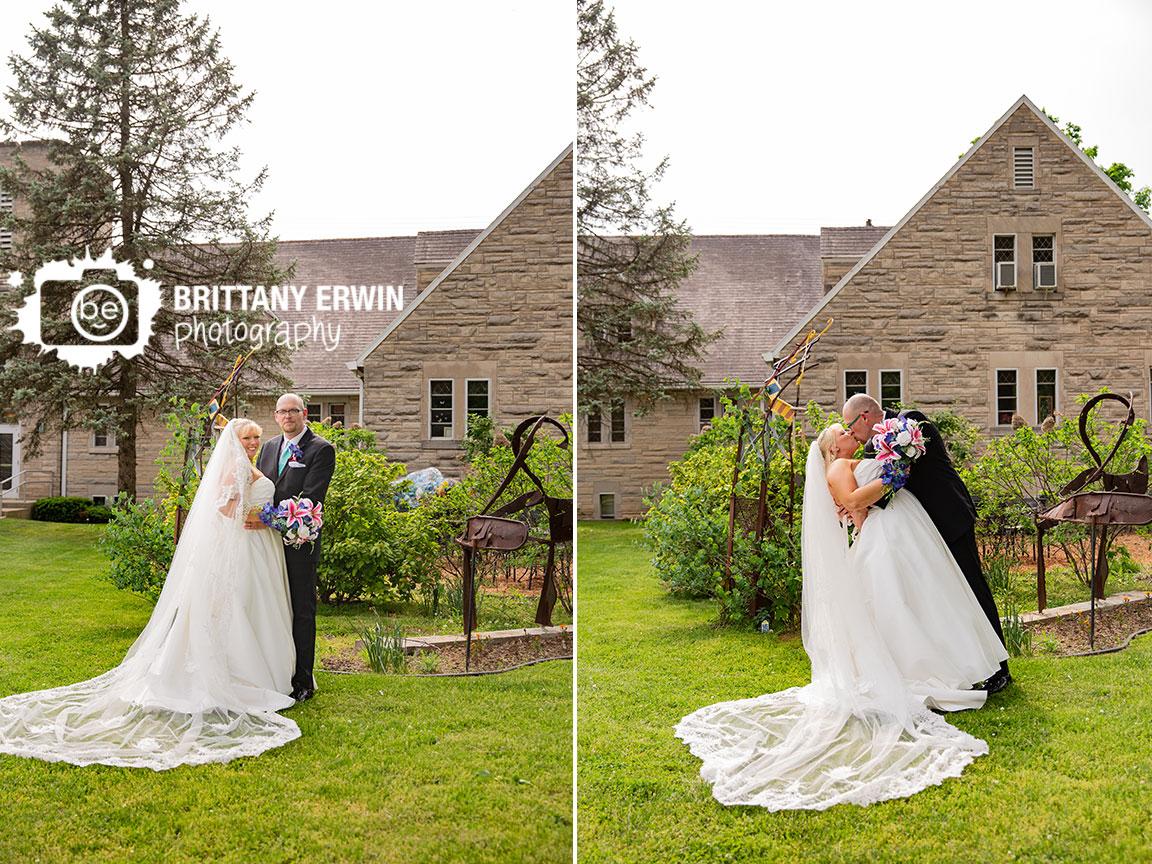 Indiana-Art-Sanctuary-wedding-photographer-bride-groom-couple-cathedral-length-veil.jpg