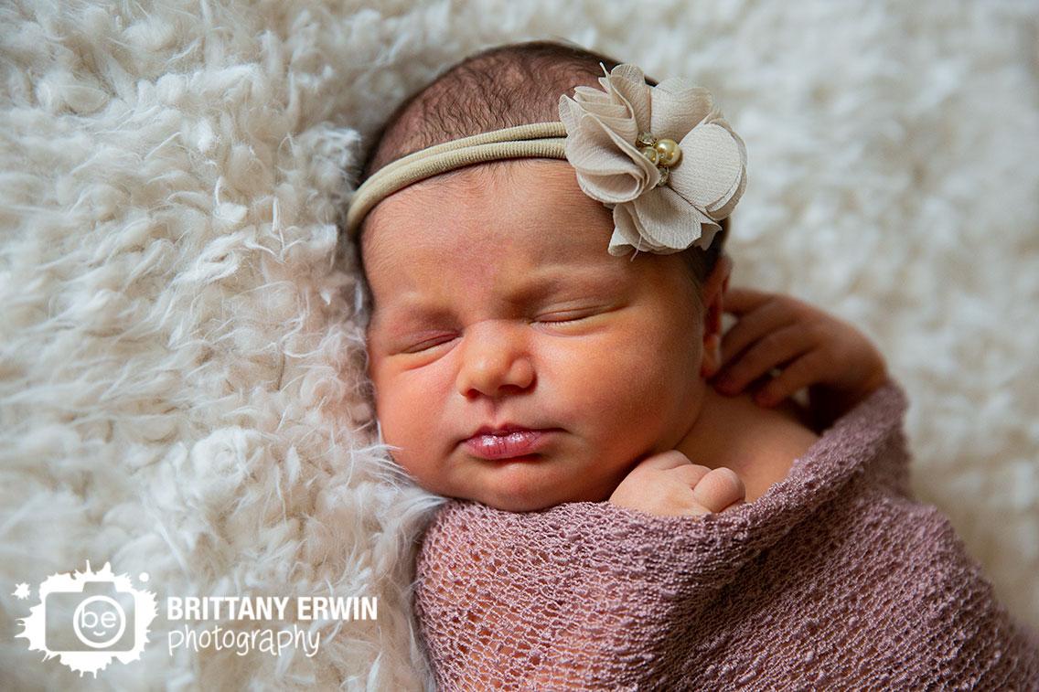 Indianapolis-newborn-baby-girl-portrait-photographer-fuzzy-blanket-sleeping-headband.jpg