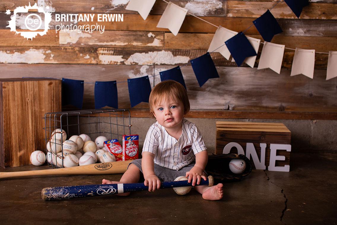 Baseball-theme-birthday-portraits-cracker-jack-bat.jpg