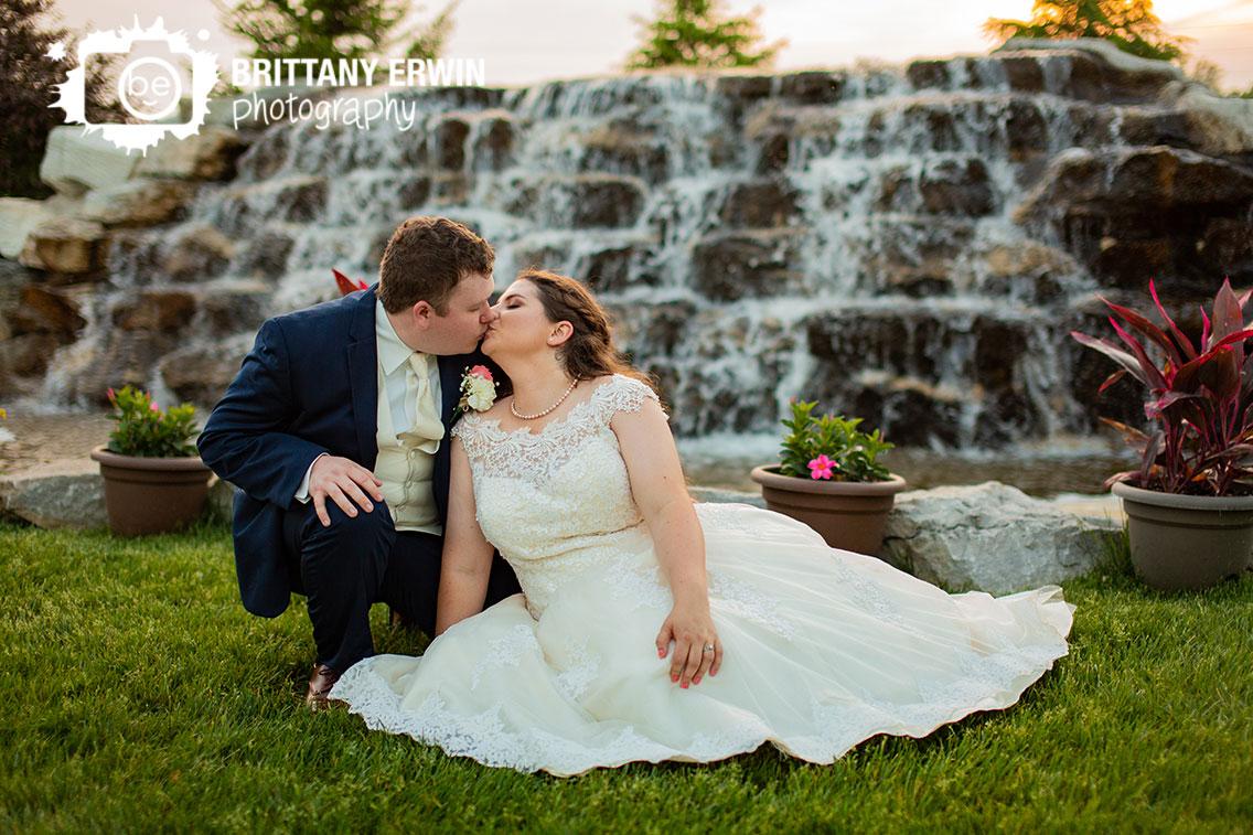 Sunset-bridal-portrait-couple-kiss-waterfall.jpg