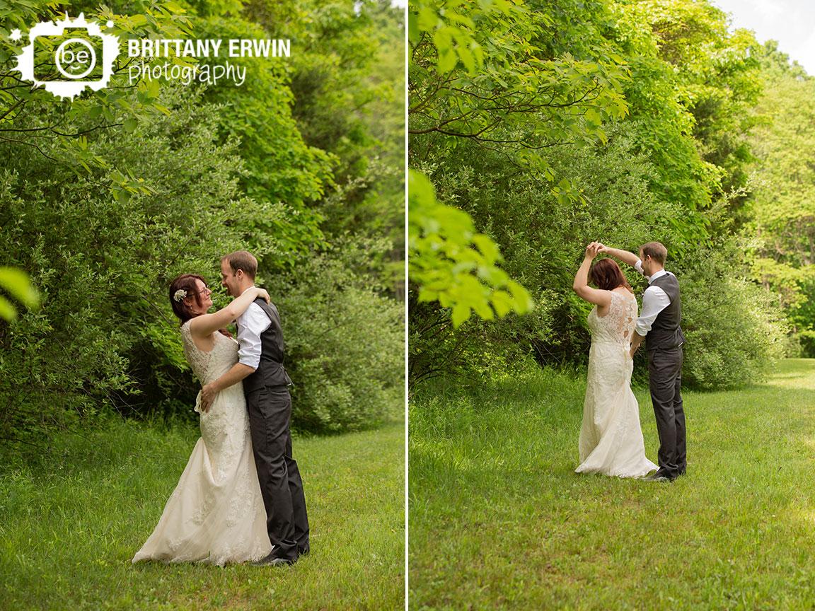 Outdoor-elopement-summer-photographer-couple-dance-outside.jpg