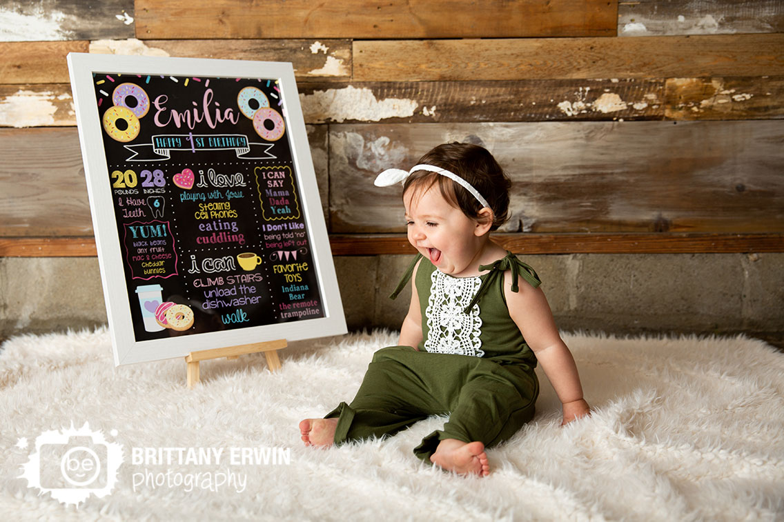 milestone-chart-first-birthday-Indianapolis-studio-reclaimed-barn-wood.jpg