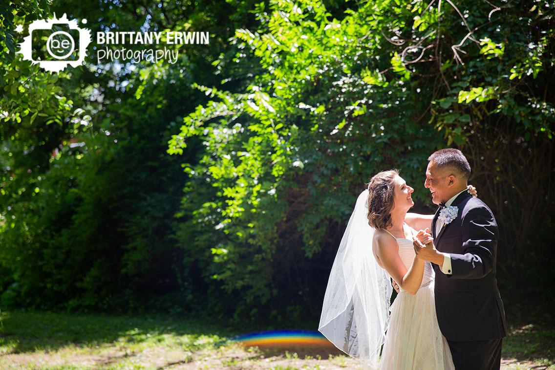 Terre-Haute-wedding-photographer-watertower-estates-winery-couple-dancing-summer.jpg