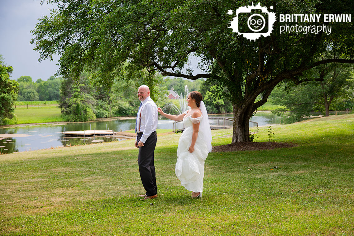 Wedding-photographer-first-look-groom-turning-to-see-bride.jpg