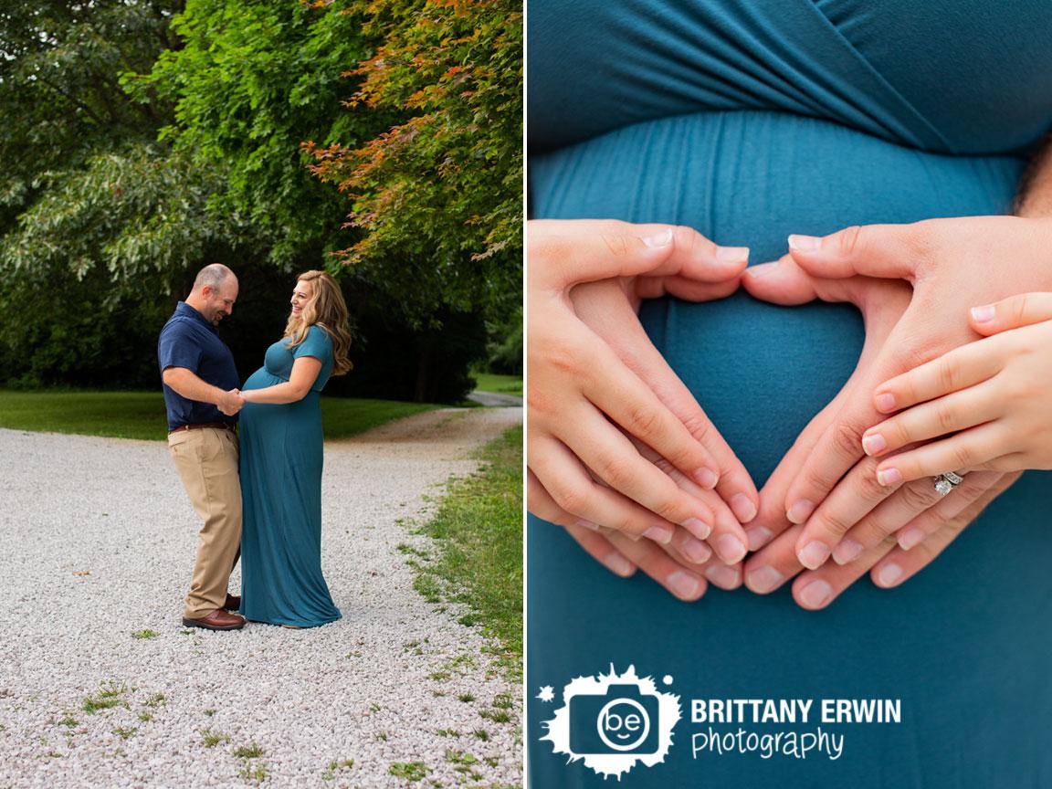 Maternity-portrait-photographer-family-heart-hands.jpg