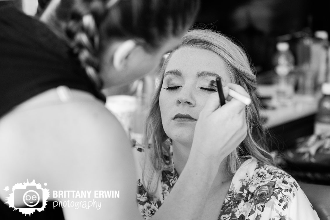 Indianapolis-makeup-artist-bride-getting-ready.jpg