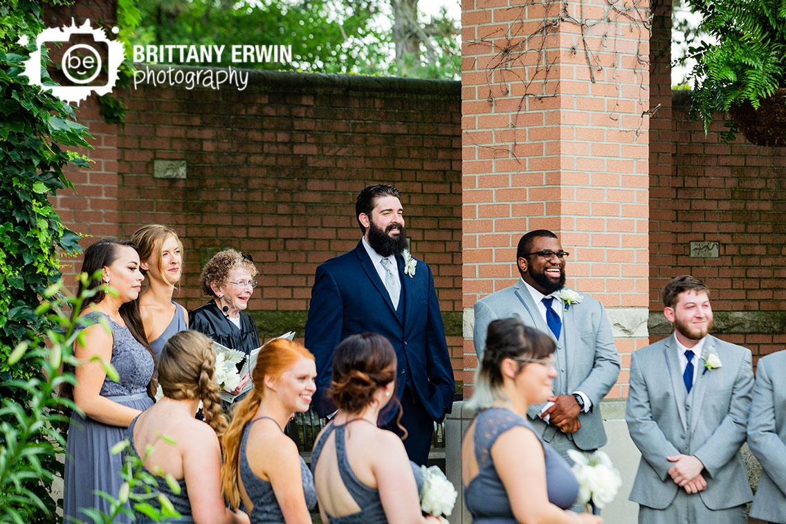 Groom-reaction-as-bride-walks-down-aisle.jpg