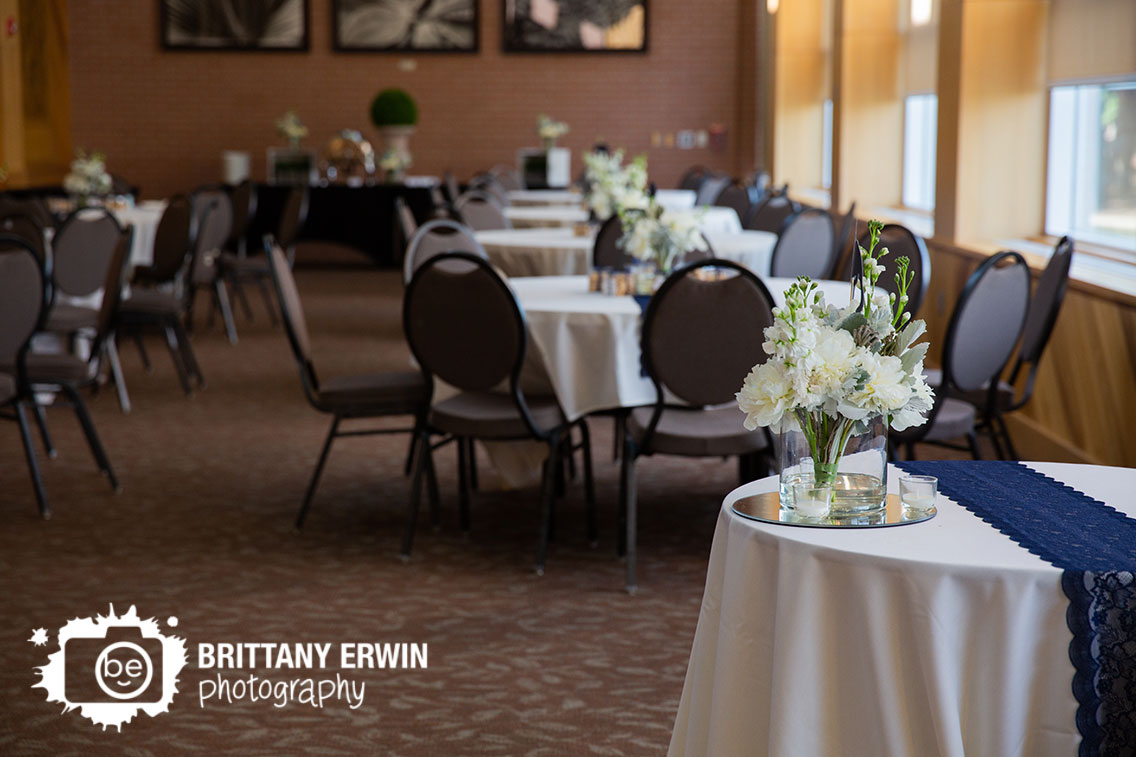 Indianapolis-zoo-wedding-reception-photographer-sweetheart-table.jpg