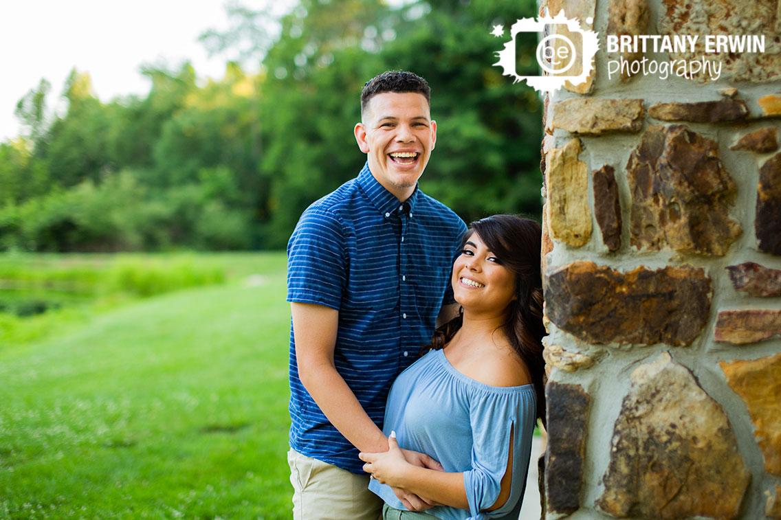 Indianapolis-engagement-portrait-photographer-couple-summer.jpg