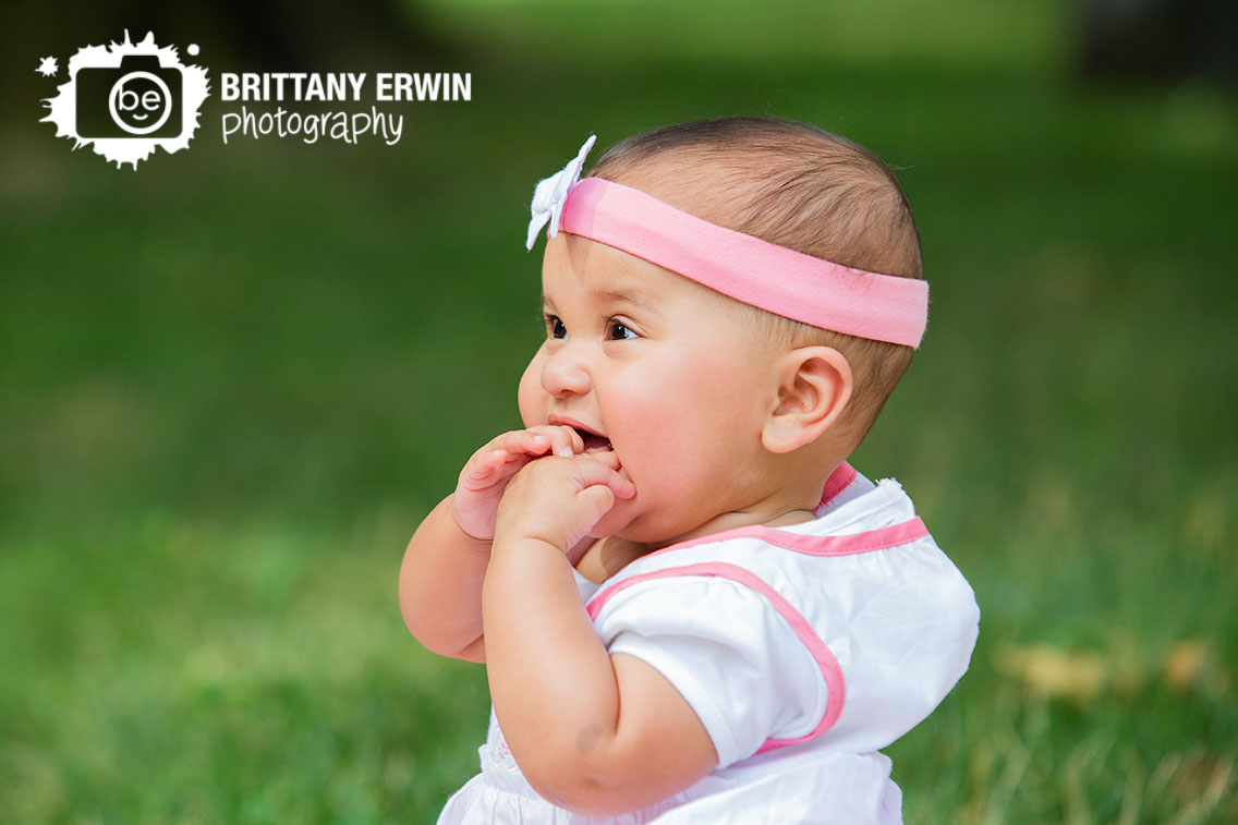 Indianapolis-baby-girl-portrait-session-outside-summer-photographer.jpg