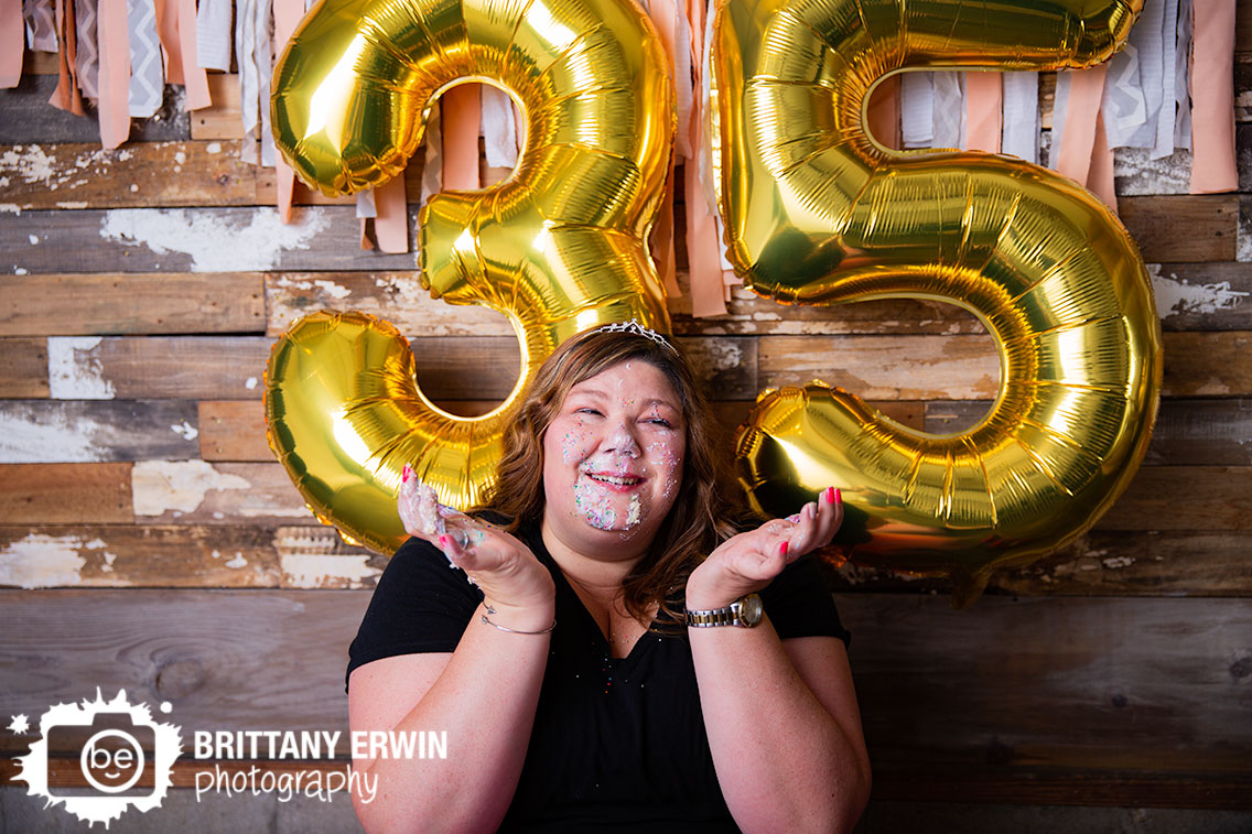 Indianapolis-cake-smash-birthday-portrait-photographer-sprinkles-face.jpg