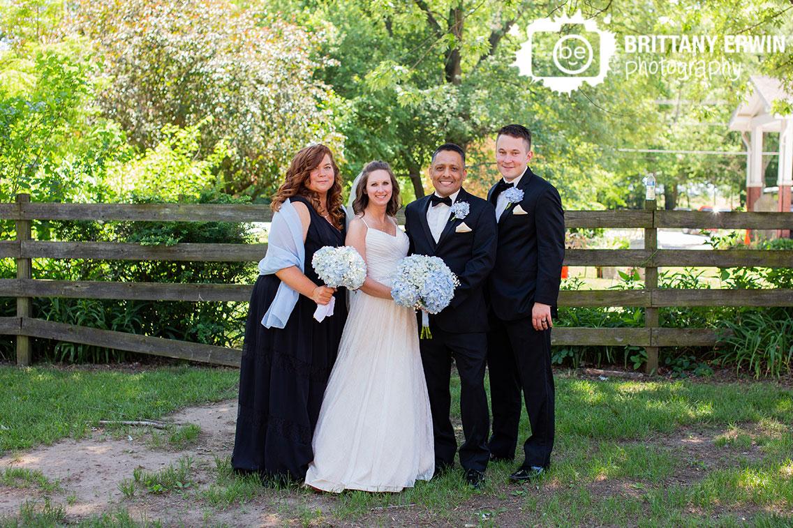 Bridal-party-watertower-estates-winery-terre-haute-wedding-photographer.jpg