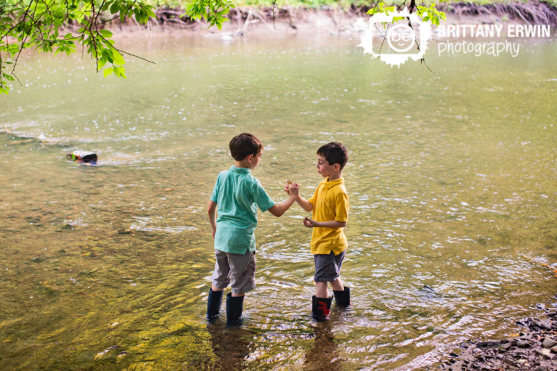Creekside-Nature-Park-portrait-photographer-boys-creek-stomping.jpg