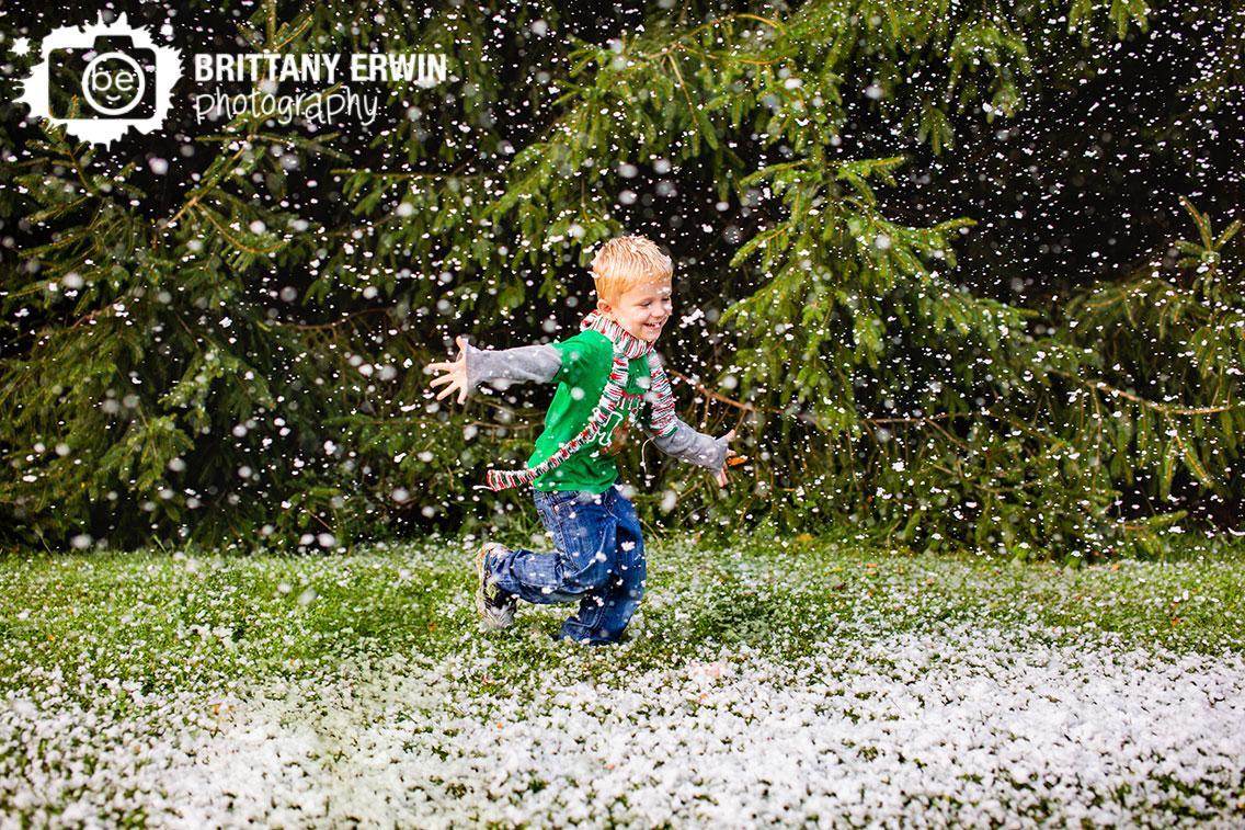 Indianapolis-portrait-photographer-snow-mini-session-scarf-snowing.jpg