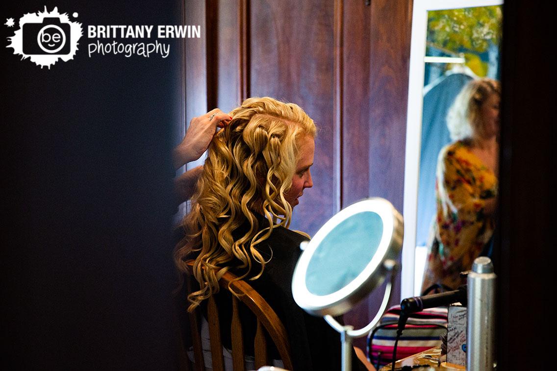 Wedding-photographer-bride-getting-ready-hair-curl-hair-on-the-square-stylist.jpg