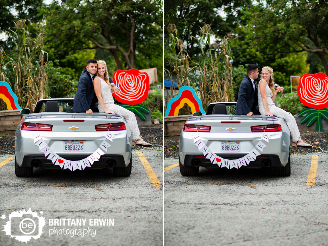 Just-Married-wedding-photographer-Fountain-Square-convertable-sign-couple-outdoor-fall.jpg