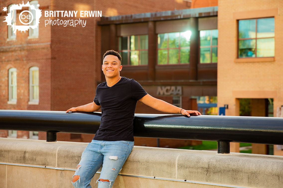 Indianapolis-downtown-ncaa-canal-senior-portrait-photographer-high-school-outdoor.jpg