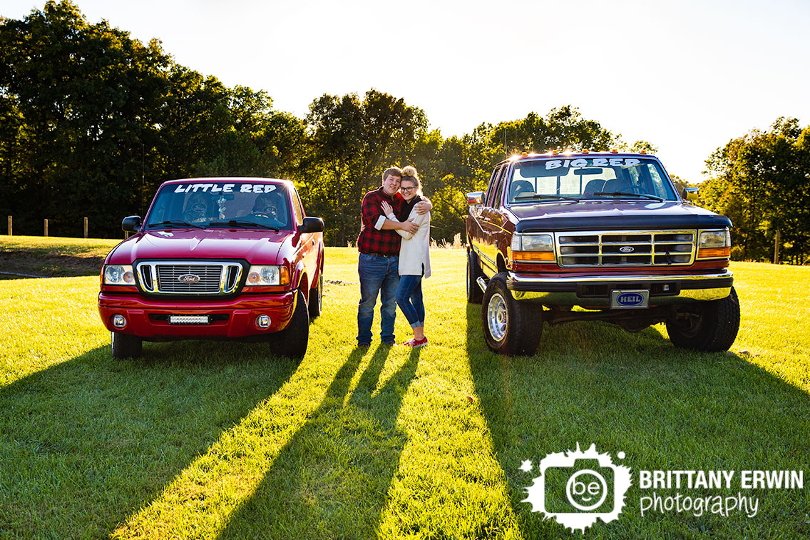truck-couple-big-little-red-matching-fall-sunset-Indiana-engagement-photographer.jpg