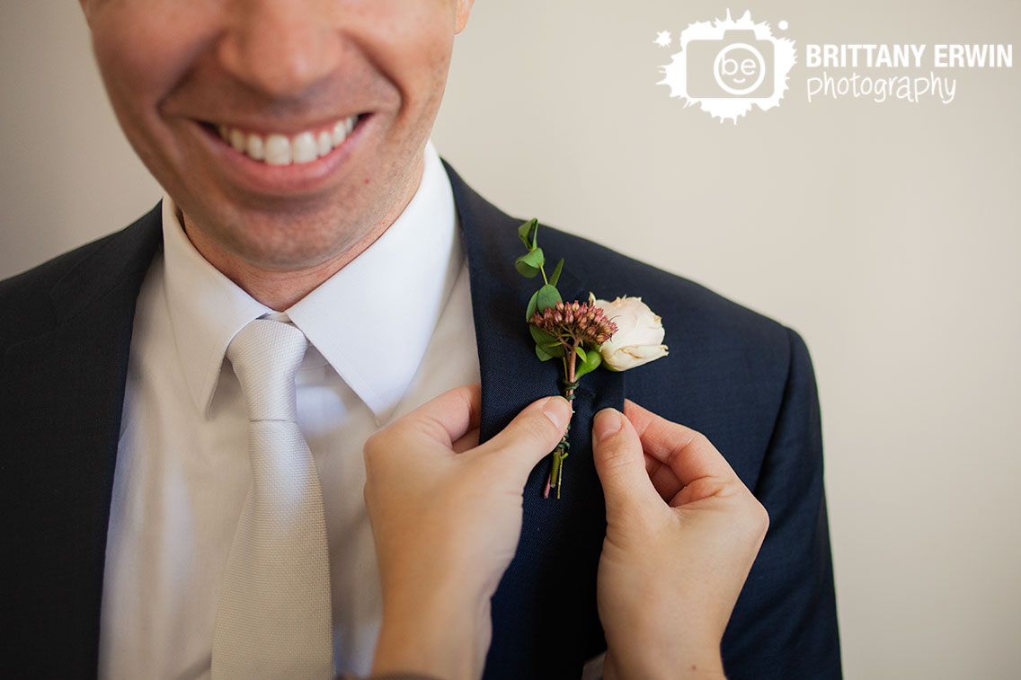 Molly-and-Myrtle-florist-Fishers-Indiana-groom-boutonniere.jpg