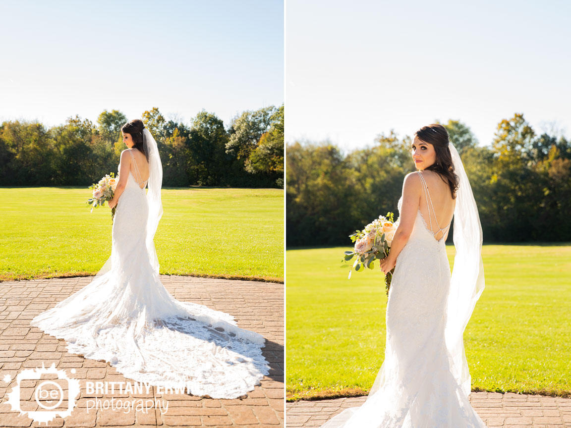 Historic-Ambassador-House-bride-molly-myrtle-bouquet-Enzoani-gown.jpg
