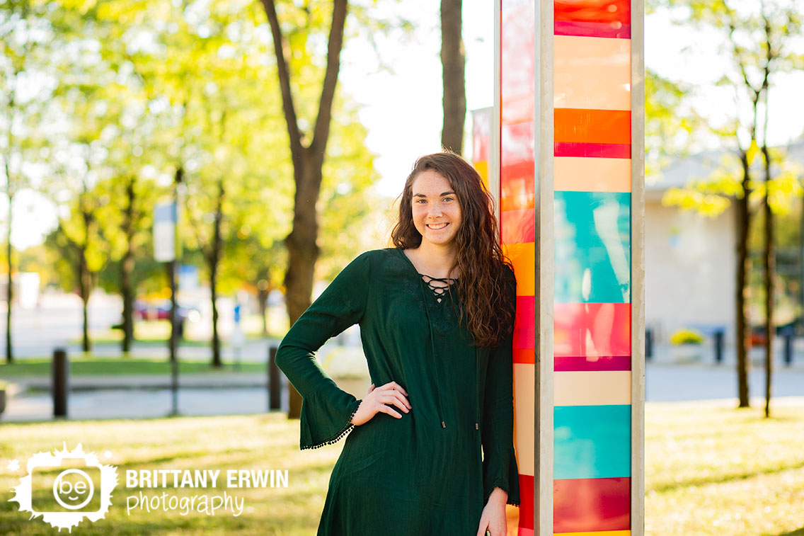 Downtown-Indianapolis-White-River-state-park-sculpture-lights-color-high-school-senior-portraits.jpg