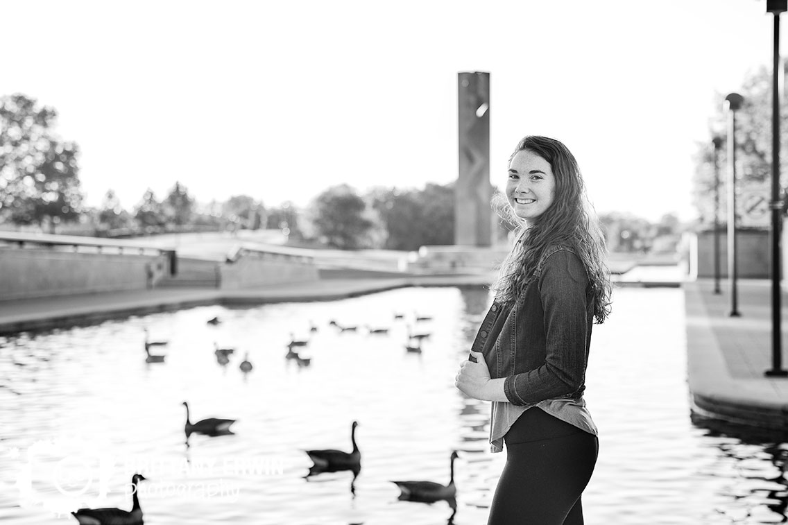 Downtown-Indianapolis-geese-on-canal-swimming-high-school-senior-portrait.jpg