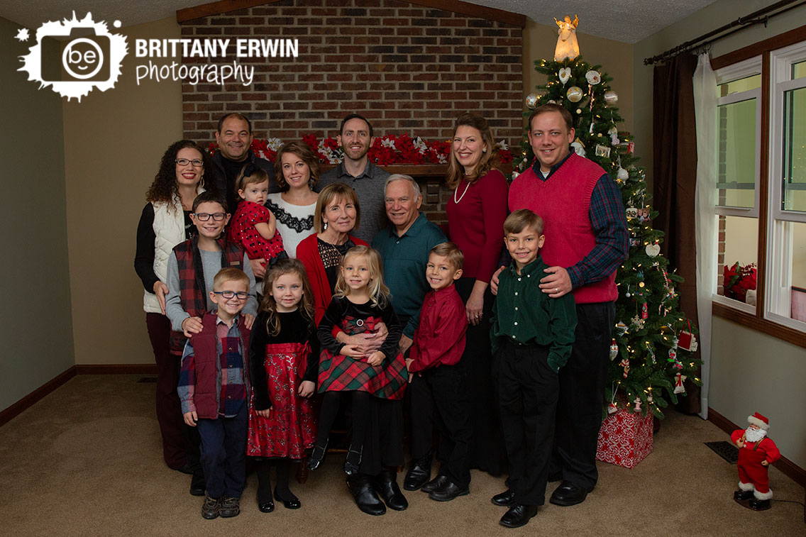 Indianapolis-family-group-portrait-yearly-Christmas-tree.jpg