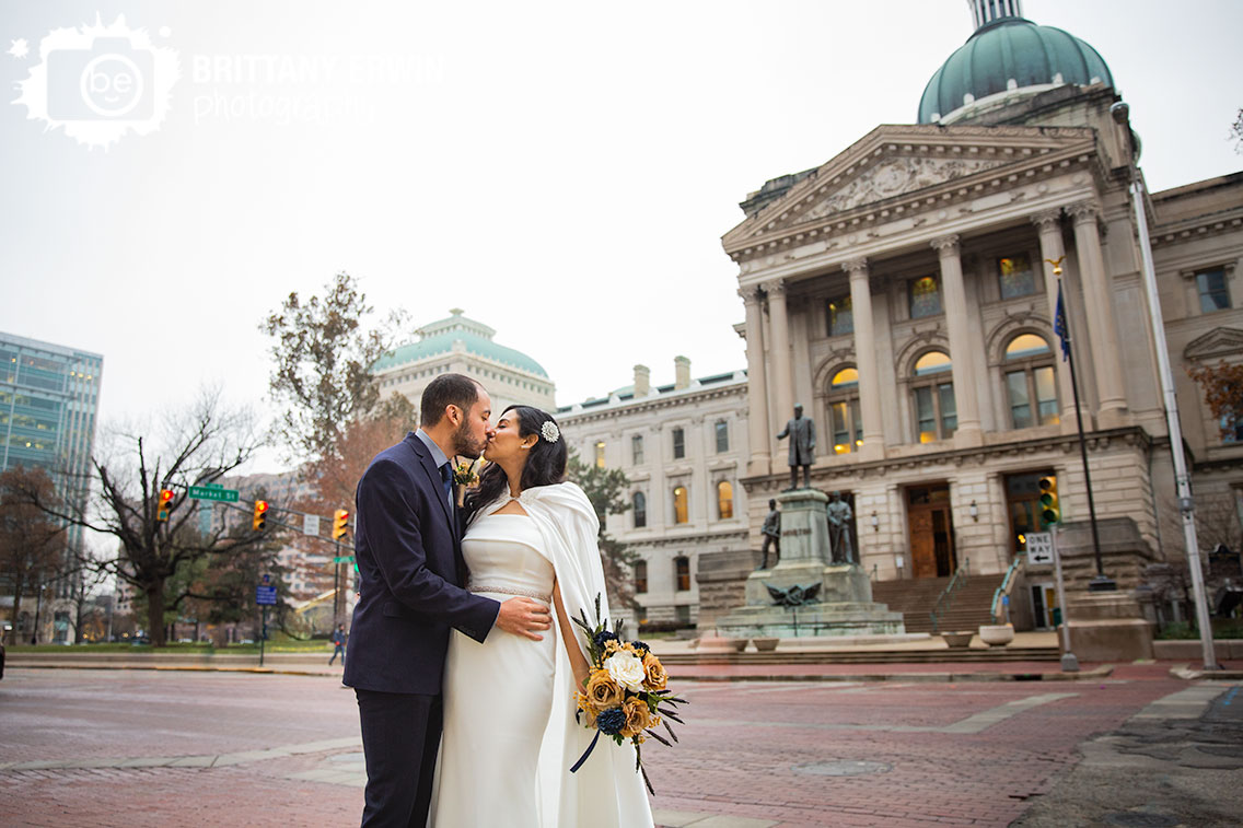 Indianapolis-downtown-elopement-photographer-bridal-portrait-state-house.jpg