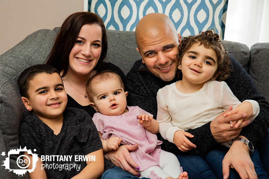 Indianapolis-family-portrait-photographer-lifestyle-in-home.jpg