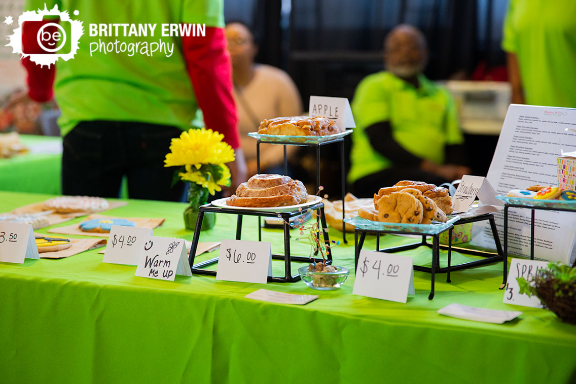 Mama-Ps-cookies-sweets-cafe-Indy-VegFest-booth.jpg