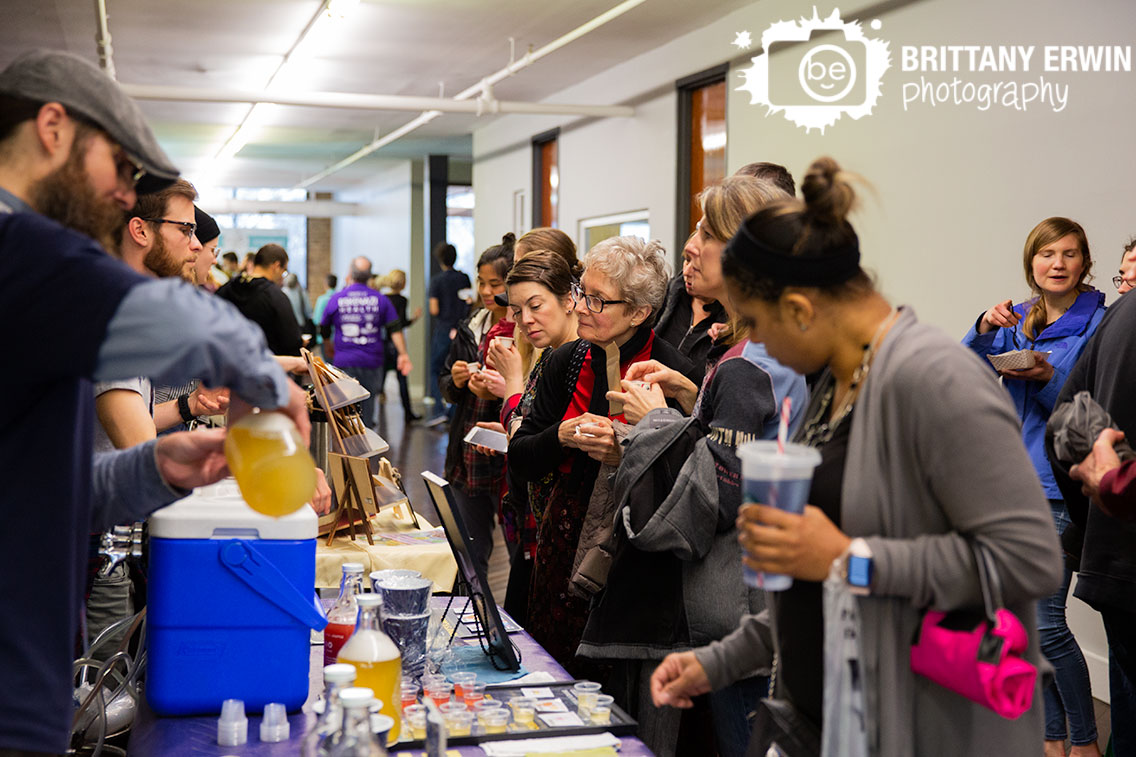 Indianapolis-event-photography-line-at-kombucha-booth-Indy-VegFest.jpg