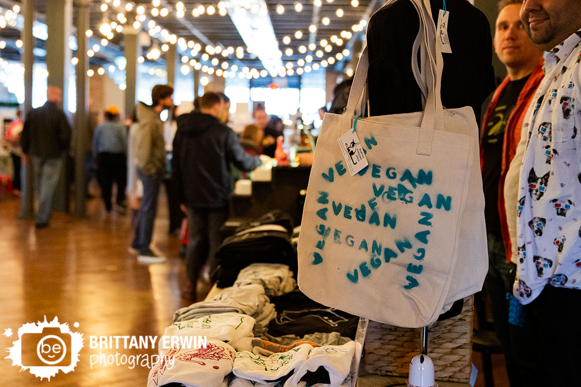 Indianapolis-Indy-VegFest-event-photographer-vegan-food-bag.jpg