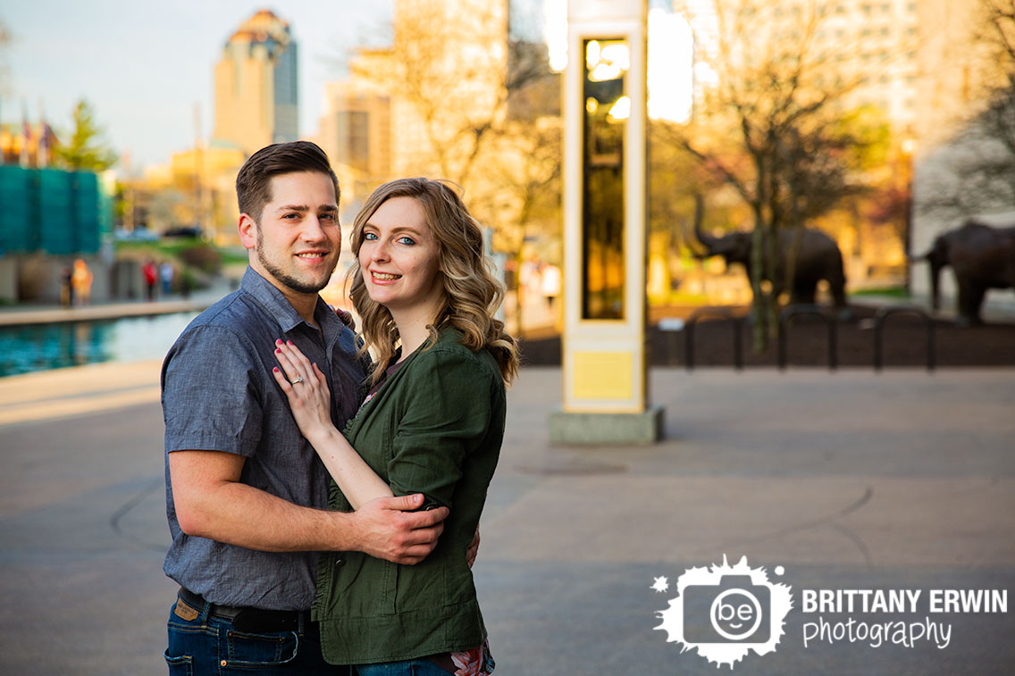 Indianapolis-engagement-portrait-photographer-couple-on-the-canal-by-indiana-state-museum.jpg