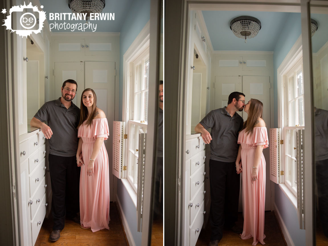 Blanton-House-engagement-portrait-photographer-couple-kiss.jpg