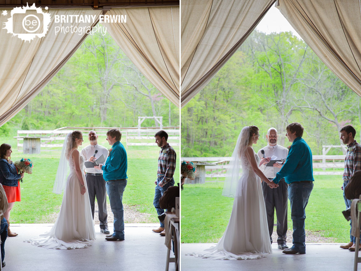 Indiana-wedding-photographer-ceremony-exchange-vows-hand-written.jpg