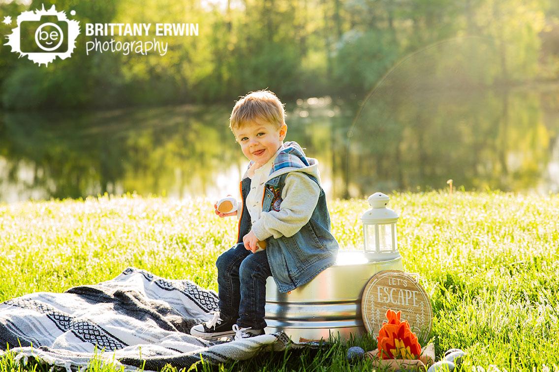 sunrise-session-toddler-boy-camping-birthday-outdoor.jpg