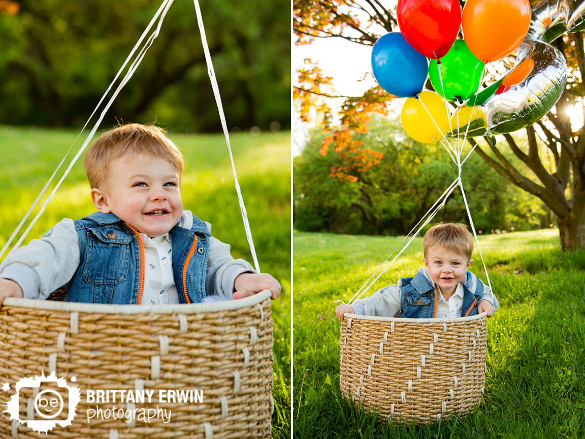 Indianapolis-portrait-photographer-boy-in-balloon-basket-up-silly-happy-birthday.jpg