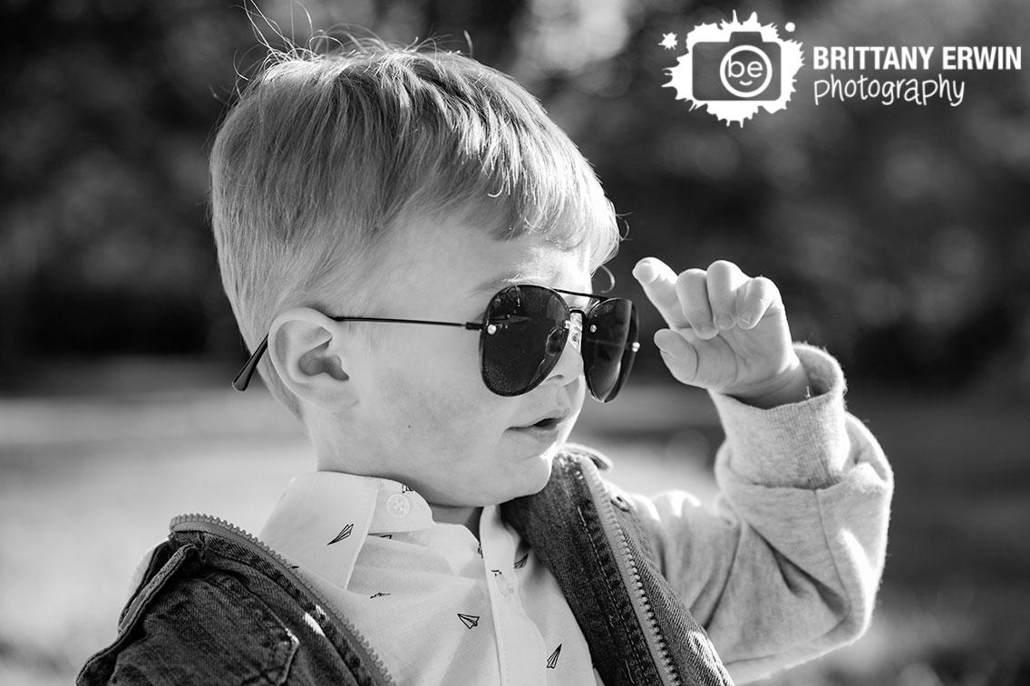 Indianapolis-portrait-photographer-boy-toddler-aviator-glasses.jpg