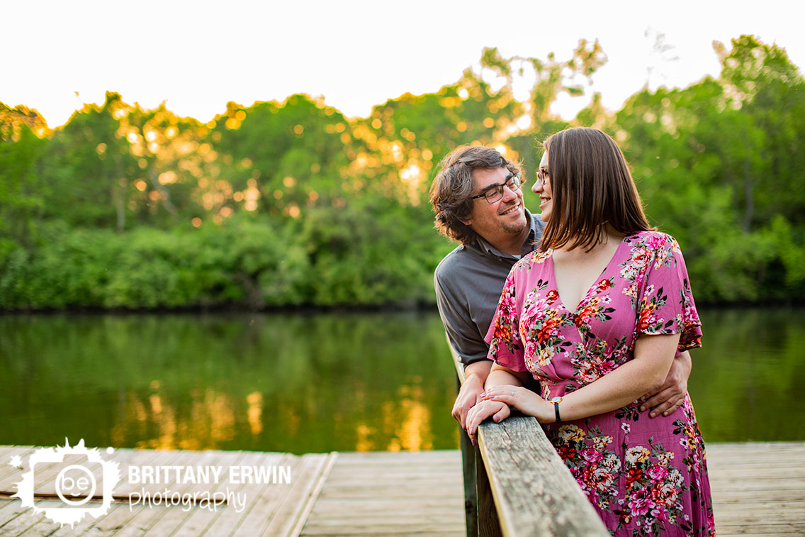 Broad-Ripple-Indiana-engagement-portrait-photographer-sunset-couple-on-floating-dock.jpg