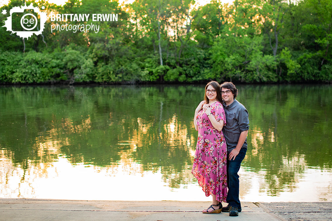 Broad-Ripple-Indiana-engagement-portrait-photographer-water-side-ramp.jpg
