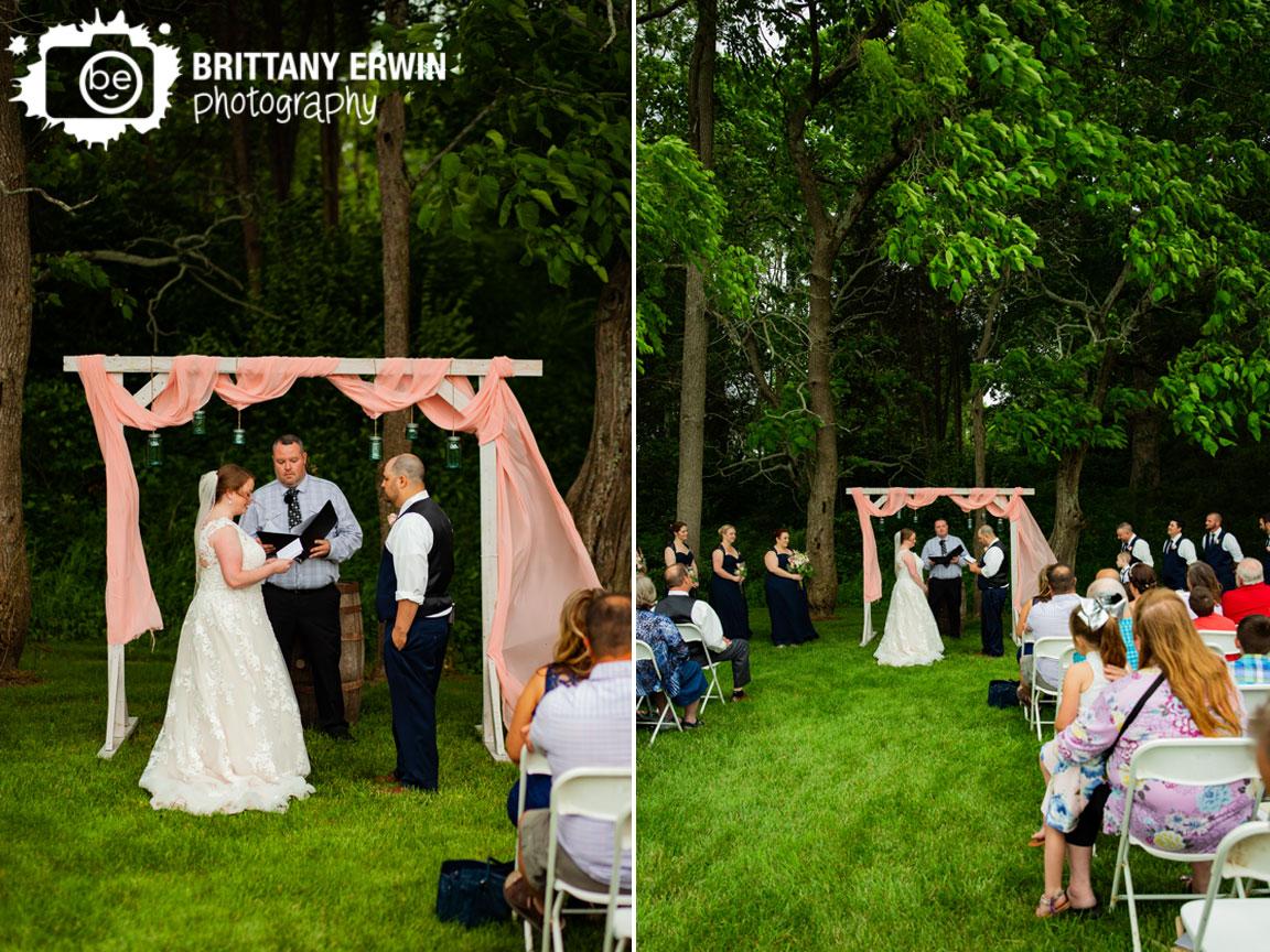 wedding-ceremony-couple-exchange-vows-summer.jpg