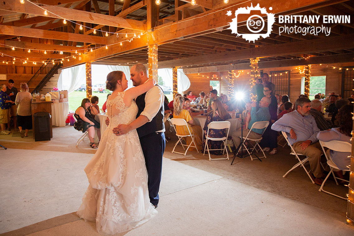 Shelbyville-Indiana-wedding-reception-first-dance.jpg