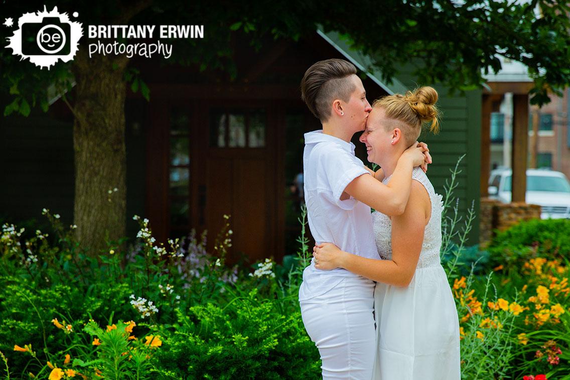 Broad-Ripple-Indiana-wedding-photographer-couple-portrait-forehead-kiss.jpg