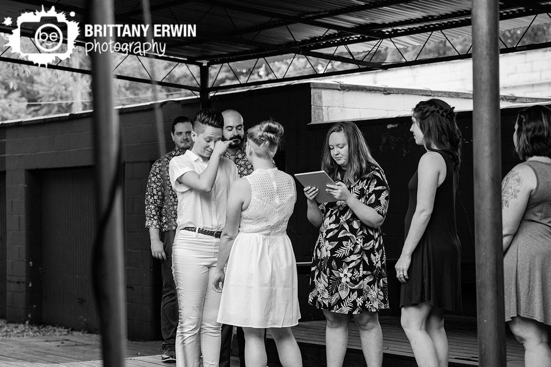 couple-exchange-vows-Indianapolis-wedding-ceremony.jpg