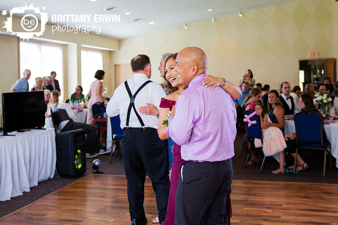 parents-of-bride-groom-couple-anniversary-dance.jpg