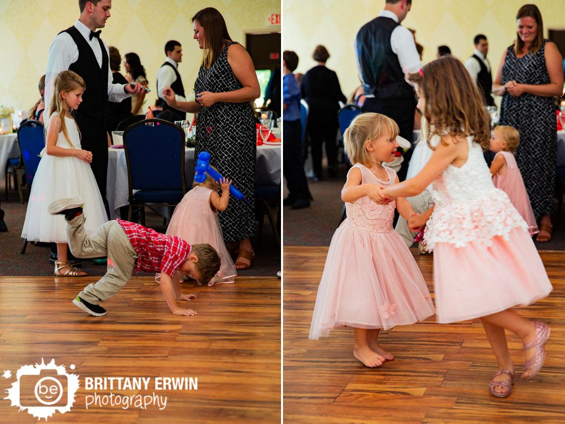 Wedding-reception-photographer-kids-dancing-silly-fun.jpg