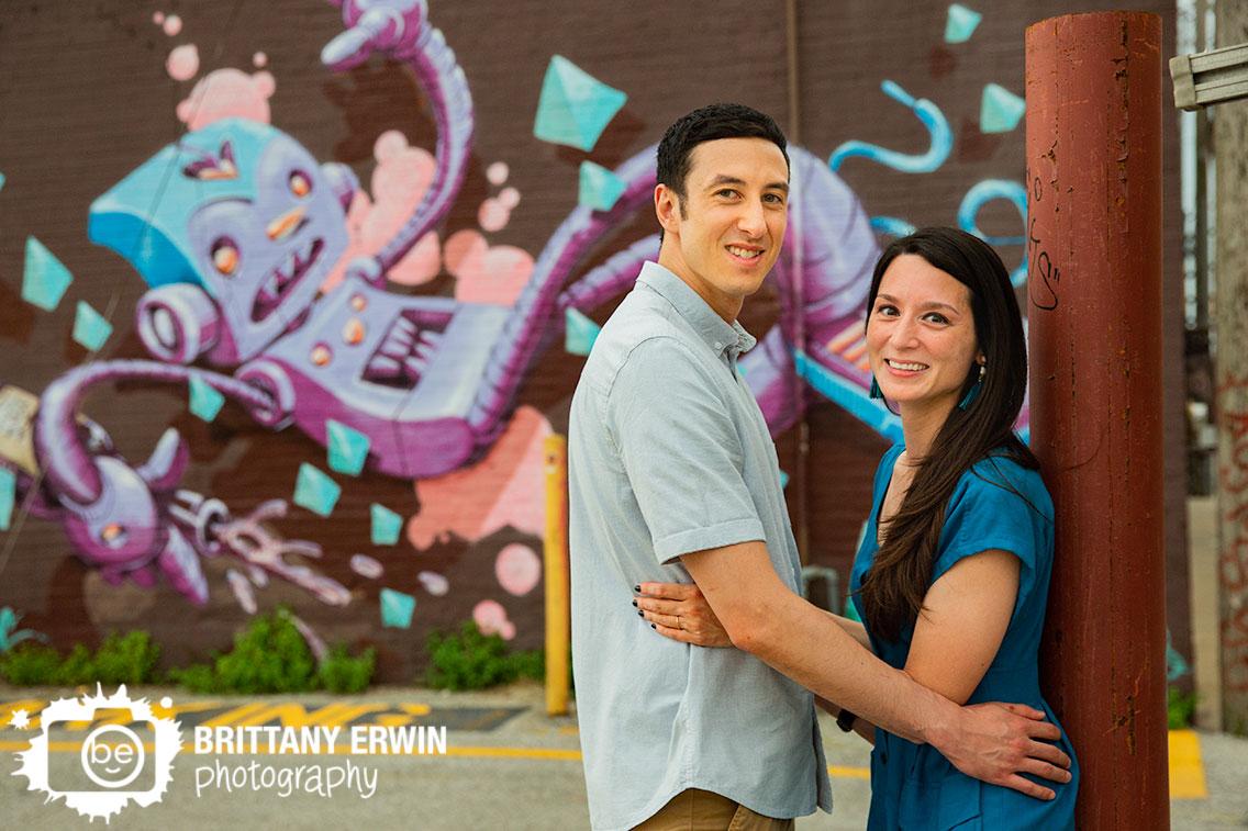 robot-mural-Fountain-Square-Indiana-engagement-portrait-photographer.jpg