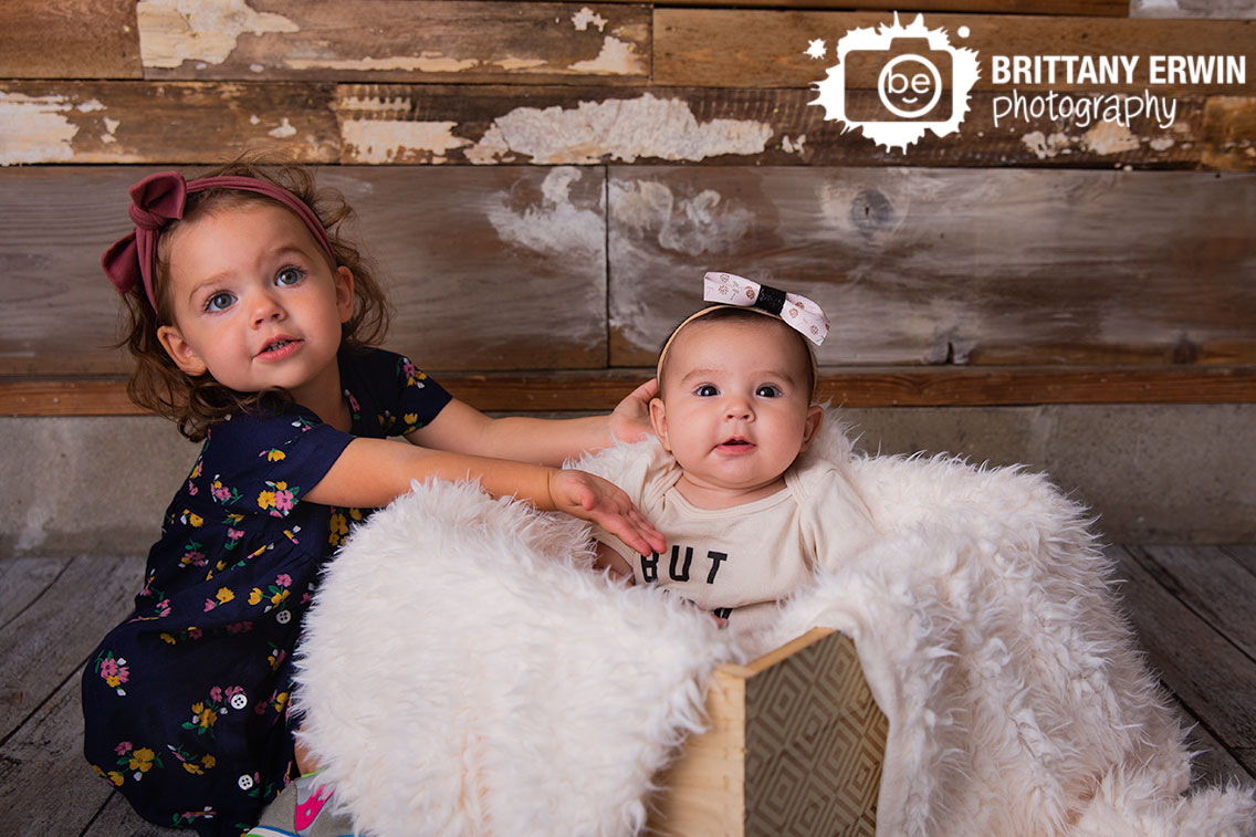 Indianapolis-portrait-photographer-3-month-old-sister-silly.jpg