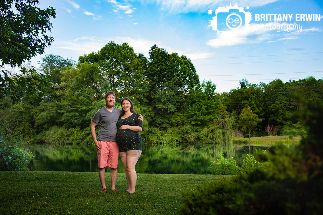 Indianapolis-maternity-portrait-photographer-summer-pond-water-couple.jpg