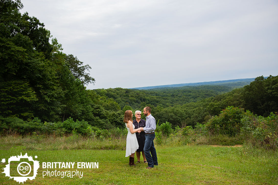 Brown-county-portrait-photographer-couple-elope-at-Hesitation-Point.jpg